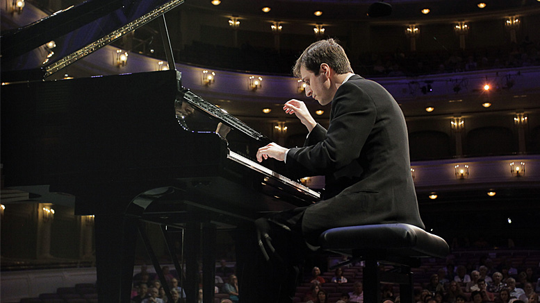 The Muncie Symphony Orchestra Welcomes Pianist Kenny Broberg