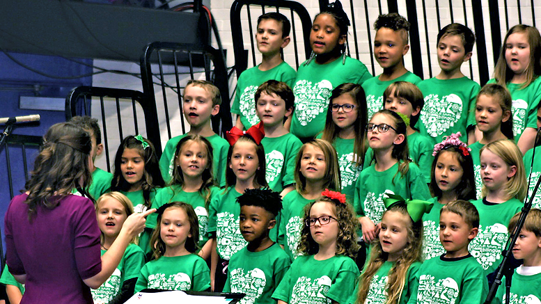83rd Annual Muncie Community Christmas Sing. Photo by: Nancy Larson-Lindell
